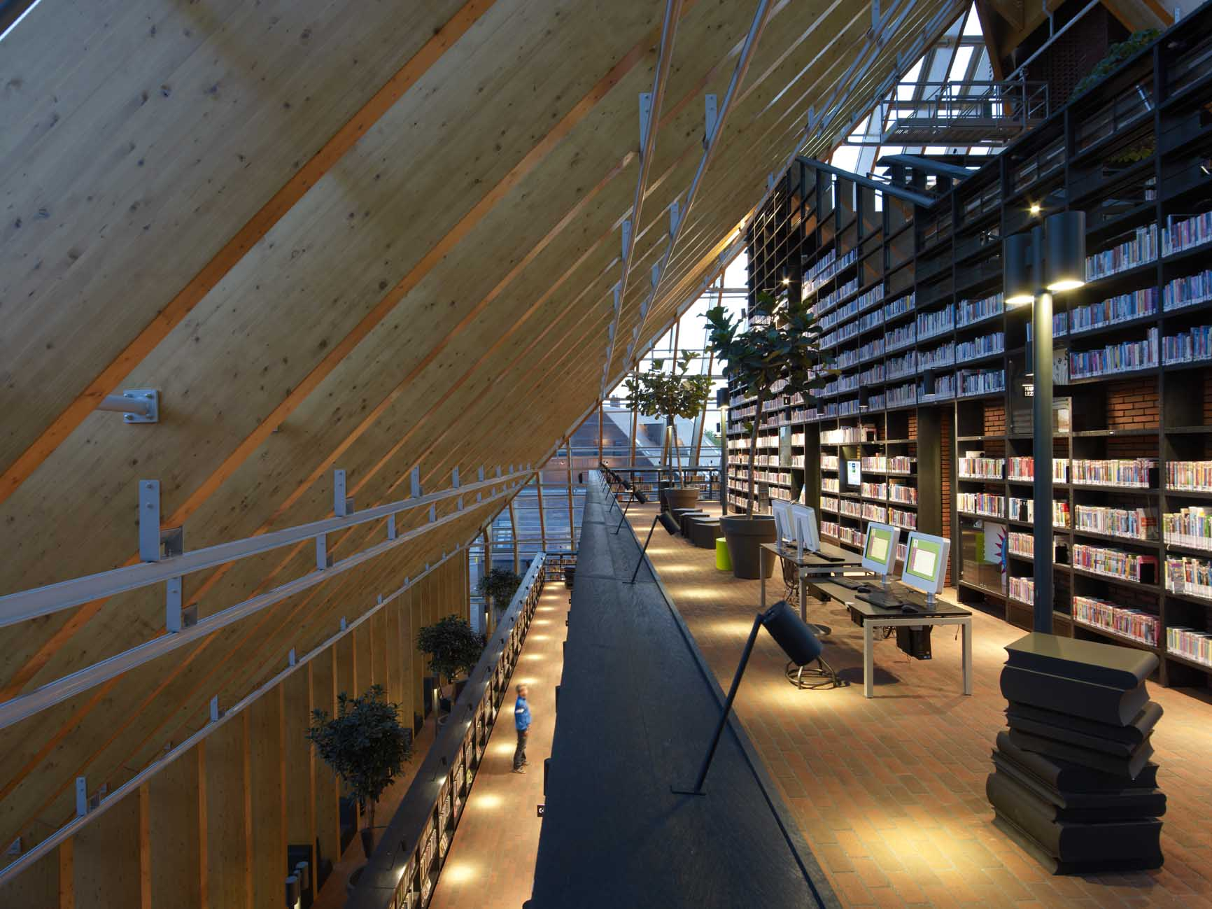 book mountain nominated for dutch wood award