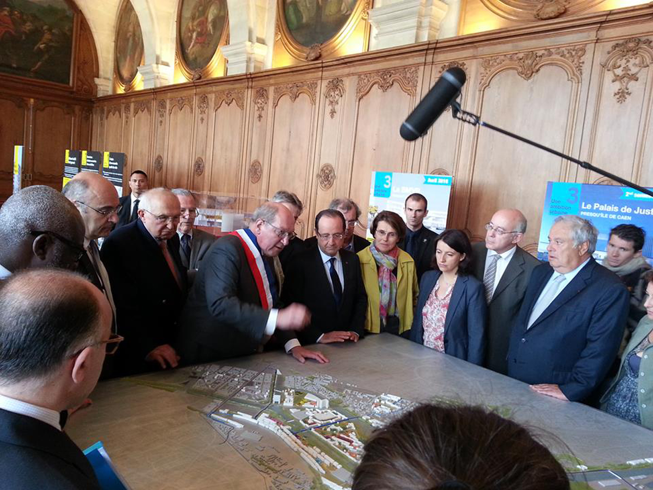 French President François Hollande INSPECTS MVRDV's CAEN MASTERPLAN in Caen