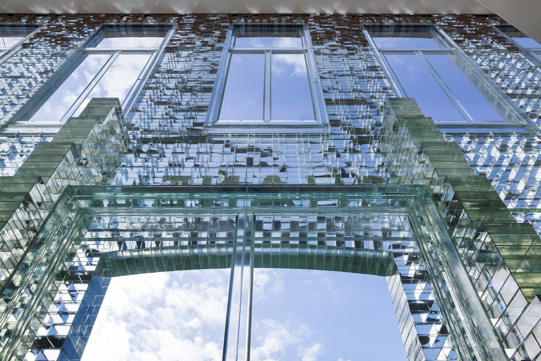 Glass Bricks in Crystal Houses nominated for Dutch Design Award - Vote now!