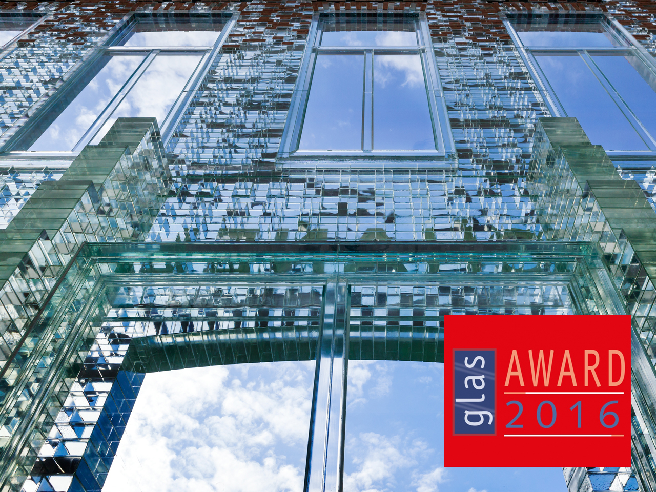 Crystal Houses' glass bricks win Glass Innovation Award 2016